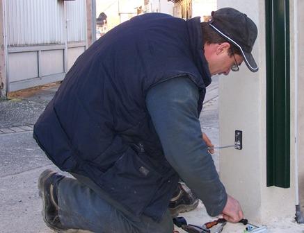 Un réseau d'installateurs spécialisés pouvant intervenir chez vous en cas de besoin.